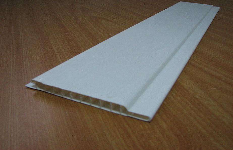 Lambris pvc a coller au plafond tarif horaire batiment for Pose lambris pvc au plafond sur tasseaux